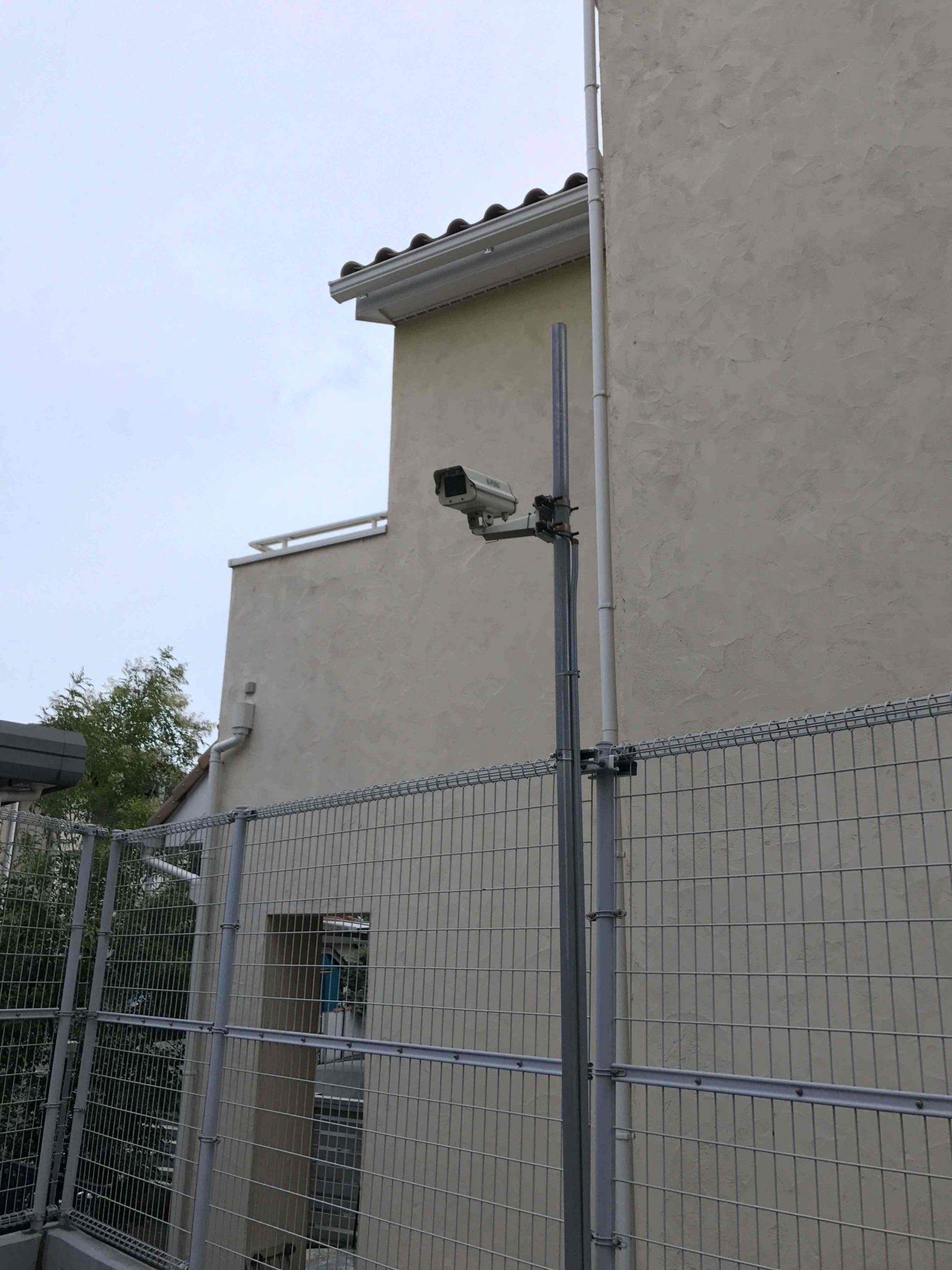 都内医療施設屋外ボックスカメラ